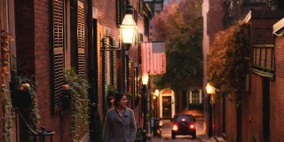 A photograph of Acorn Street on Beacon Hill in Boston - top things to do in Boston